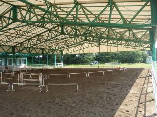 屋根付練習場